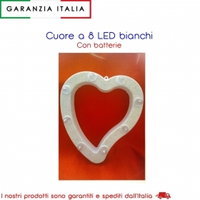 CUORE A 8 LED BIANCHI CON BATTERIE